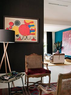 Pisos en Miguel Angel Madrid by Maria Llado - Design Magazine Living Room Murals, Art Of Living, Miguel Angel, Modern Spaces, Modern Wall, Interior Inspiration, Design Inspiration, Colourful Living Room, Elegant Homes