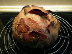 Keep practicing, Homemade sourdough bread.  #housemadebread, #sourdoughbread, #homebakery, #pandeposo, #ホームベーカリー, #天然酵母パン
