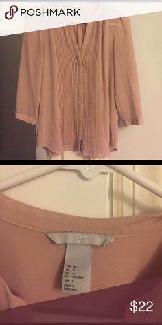 Size 6 H&M shirt barely worn, perfect condition This shirt was worn 2 times and forgotten about as I started dressing more casual for work. It's in good condition and is a mauve color! H&M Tops Blouses