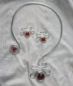 Collier et boucles d'oreille jani pierre rouge