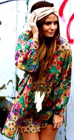 Perfect boho outfit! floral dress, headband