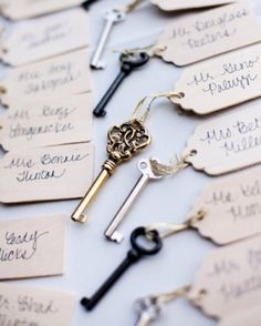 17 Chic Ways to Add Vintage Charm to Your Wedding