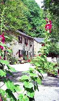"""Camping Goudal gelegen in het schitterend natuurpark """"Parc Naturel Régional du Haut-Languedoc"""" is een rustieke en kindervriendelijke familie camping waar jullie gezin met kinderen tot 12 jaar een onvergetelijke tijd zullen beleven."""