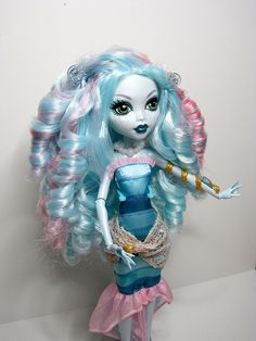 Monster high -Lagoona alteration ah! run for your life befor you die or be come a monster like Lagoona in monster high!