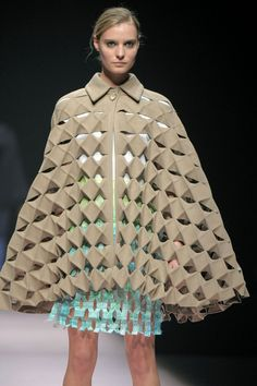 Kirigami coat and dress - folded and cut fabric (Alexandra Verschueren… Origami Fashion, 3d Fashion, Fashion Fabric, Fashion Details, Ideias Fashion, High Fashion, Fashion Design, Paper Fashion, Weird Fashion