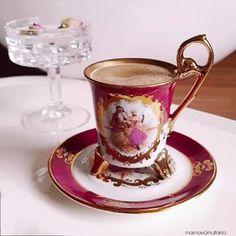 Iftardan sonra kahveniz benden olsun☕ 1 fincan kirecsiz su  1 ölcek dibek kahvesi(ben türk kahvesi ile yari yariya karistirip kullaniyorum cok güzel oluyor) Suyun icine Türkiyeden getirdigim tomurcuk güller atiyorum hem hoş bir aroma veriyo hemde çok şık duruyo belki sizlerede fikir olur. Sola kaydirarak yapilisini izleyebilirsiniz.  Hayirli Iftarlar Dilerim💐 #kahve #dibekkahvesi #sunum Iftar, Tea Cups, Pumpkin, Photo And Video, Tableware, Instagram, Life, Olinda, Recipes