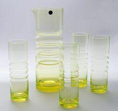 Nanny Still Tsarina, Rihimäen lasi. Nordic Design, Scandinavian Design, Glass Design, Design Art, Glass Teapot, Art Of Glass, Glass Pitchers, Ceramic Pottery, Tea Pots
