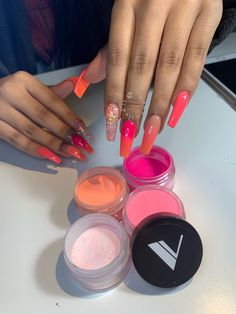 What you need to know about acrylic nails - My Nails Aycrlic Nails, Bling Nails, Nagel Bling, Fire Nails, Best Acrylic Nails, Dream Nails, Powder Nails, Sns Powder, Acrylic Nail Powder