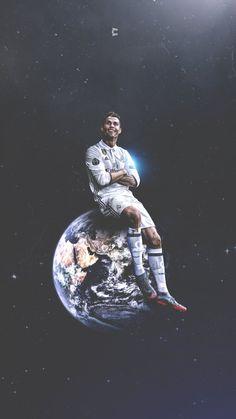 Cristiano Ronaldo, King Of The World. He's on top of the world. Cristiano Ronaldo 7, Cristiano Ronaldo Wallpapers, Ronaldo Football, Messi And Ronaldo, Ronaldo Real Madrid, Real Madrid Football, Cr7 Wallpapers, Animes Wallpapers, Ronaldo Photos