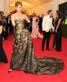 2014 #MetGala Fashion: Karlie Kloss
