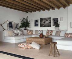 Interior Design Living Room, Living Room Designs, Living Spaces, Built In Sofa, Rest House, Beach House Decor, Home Decor Furniture, Sofas, Norma Cano