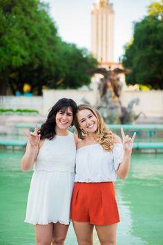 UT Austin graduation photos www.paigevphotography.com