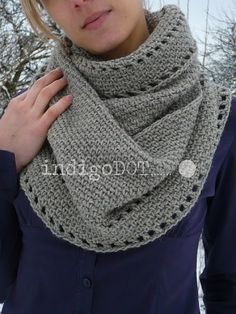 Ravelry: Calm Cowl pattern by Suzana Davidovic (double crochet edging and moss/seed stitch scarf) Crochet Gratis, Crochet Round, Knit Or Crochet, Crochet Scarves, Crochet Shawl, Crochet Clothes, Crocheted Scarf, Knitted Cowls, Simple Crochet