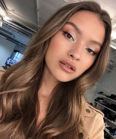 15 natural makeup ideas for all occasions - hair and .- 15 natürliche Make-up-Ideen für alle Gelegenheiten – Haar und Schonheit 15 natural makeup ideas for all occasions – hair and beauty - Glowy Makeup, Makeup Eyeshadow, Hair Makeup, Makeup Light, Eyeshadow Ideas, Eyebrow Makeup, Makeup Art, Makeup Without Eyeliner, Makeup Brushes