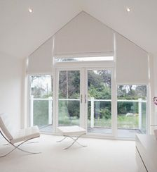 curtains or blinds on triangle windows Blinds For Windows, Curtains With Blinds, Window Blinds, Triangle Window, Deco, Stores, New Homes, Architecture, Ranch