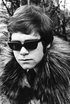 Elton John at his first photo shoot in 1968