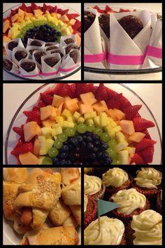 Frugt, pølsehorn, cupcakes, figendaddelstænger - fødselsdag