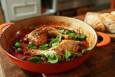 Italienische Hähnchenkeulen mit Rosmarin und Tomaten