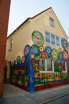 Graffiti Auftrag - Hundertwasser Haus Flensburg
