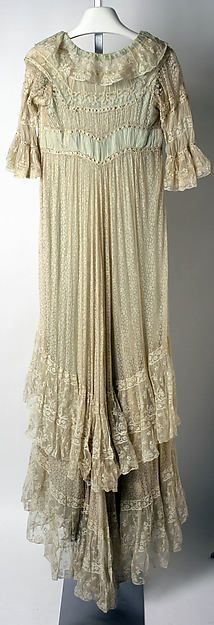 Tea gown (image 2 - back) | Callot Soeurs | French | 1906-08 | silk, cotton | Metropolitan Museum of Art | Accession Number: 1982.133.3