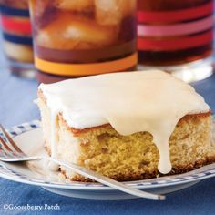 Gooseberry Patch Recipes: Root Beer Cake from 101 Farmhouse Favorites Cookbook. Serve with vanilla ice cream for a root beer float flavor!