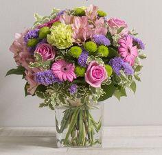 Fleurs Mariage : Mélodie Bouquet rond acidulé de roses et fleurs variées aux teintes rose et vert anis