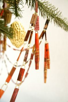 Make It Happen: More DIY Garlands We're on a roll here, friends. We say, why stop at one...