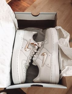 Dream Shoes, Crazy Shoes, Me Too Shoes, Custom Shoes, Shoe Game, Looks, Baskets, Nike High Tops, Everyday Shoes