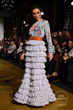 conso ayala (1) Skirt Fashion, Boho Fashion, Fashion Outfits, Womens Fashion, Knit Skirt, Lace Skirt, Lace Dress, Kebaya Lace, Flamenco Costume