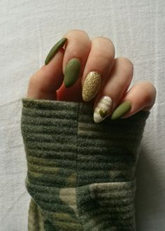 Khaki nails are awesome
