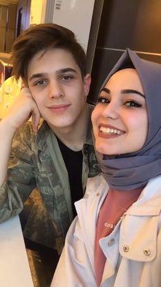 Romantic Couple Dp, Cute Love Couple, Beautiful Couple, Cute Muslim Couples, Cute Couples Photos, Muslim Couple Photography, Muslim Brides, Cute Relationship Goals, Beautiful Songs
