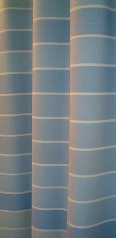 """Salon kirjaston auditorion esirippu """"Lagos"""". Materiaali WO/TreviraCS, esiripun koko 108 m2, teollinen valmistus. Kokonaisuuteen suunniteltiin ja valmistettiin myös verhoilu- ja seinäkekankaat.  // Tilaaja/Client: Salon kaupunki //  Suunnittelija/Designer: Emma Kuoppamäki, 2004 //  Yhteistyökumppanit/Partners: Arkkitehtitsto Sistergo, Sellgren-Tekstiili, Lipputuote Torpo"""
