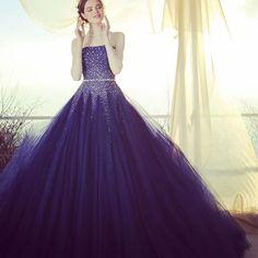 #weddingdress #dress #bridalgown #brides #gritter #novias #couture #ウエディングドレス#ドレス#プレ花嫁 #カラードレス#カクテルドレス #ネイビー #グリッター#きらきら#きれい #kiyokohata#キヨコハタ KH_0380