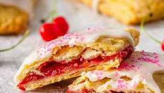 Easy to make homemade berry pop tarts that are better then the real thing. Flaky pastry, homemade berry filling and a sweet frosting - pie for breakfast? Homemade Pie Crusts, Pie Crust Recipes, Pastry Recipes, Baking Recipes, Flakey Pie Crust, Homemade Pastries, Flaky Pastry, Sweet Cherries, Fun Desserts