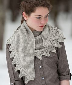 Lovely little Highland Fling shawl....have to think about a good knitting on this one.