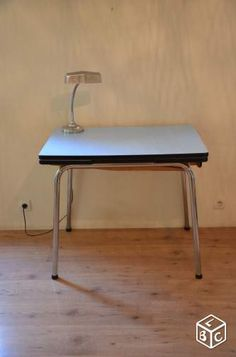 Table en formica bleu - leboncoin junkshop