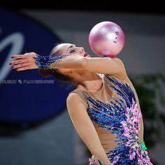 Margarita Mamun (Russia) won gold in ball finals at Grand Prix (Brno) 2016