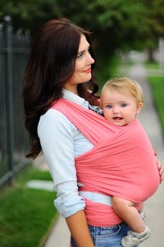 Living notes from NYC: Solly Baby or why you need a Baby Wrap.