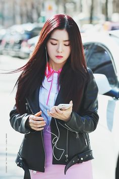 170224 - Red Velvet Irene on the way to Music Bank (cr. amunaparty) | Twitter