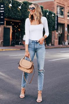 Take your casual Friday look from work to play with a flirty heel + sleek bag a la 🍸🍸 30 Outfits, Casual Summer Outfits, Spring Outfits, Trendy Outfits, Work Outfits, Amy Jackson, Fashion Jackson, Street Chic, Street Style