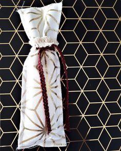 #mpomponieres #bomboniere #weddingfavors #γάμος #βάφτιση #wedding #baptism #christening #lovedropsevents #handmade #χειροποίητο #gold #pattern #geometrical #minimal