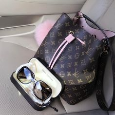 2017 Louis Vuitton Monogram Neonoe M44020 M44021 M44022. Colorful calf-leather trim