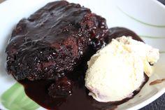 Von Sumpfkuchen hab ich ja vorher noch nie gehört. Aber Johannas Rezept zu dieser Schokoladigen Köslichkeit wird umgehend ausprobiert! Dazu noch Eis - eine perfekte Sünde!
