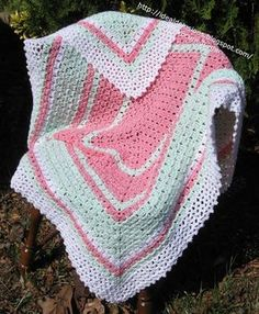 Ideal Delusions: Wintergreen and Lace - Free crochet pattern. Rectangular blanket worked from centre out.