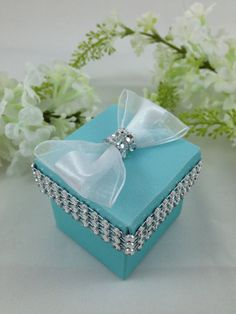 25 Turquoise Favor Boxes Wedding Bridal by AlyMishelleDesigns Honey Wedding Favors, Winter Wedding Favors, Wedding Favor Boxes, Tiffany Birthday Party, 60th Anniversary Parties, Tiffany Blue Weddings, Candle Favors, Creative Gift Wrapping, Diy For Girls