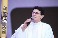 Padre Reginaldo Manzotti abençoa trabalhadores no Paraná