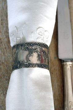 Silver-napkin-ring, I just love having different napkin rings on hand for entertaining!!! how fun!!