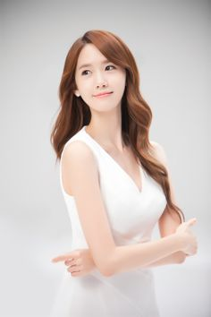 Yoona ~ alcon contact lenses