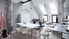 La #ristrutturazione di una #mansarda in stile moderno con soluzioni low budget. http://www.mansarda.it/da-sottotetto-a-mansarda/una-mansarda-moderna/
