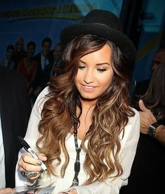 I love this ombre hair color. Its the perfect flow of color and not too choppy. Love her hair!!